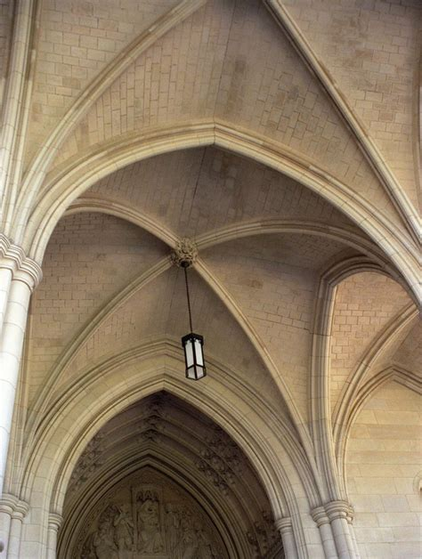 ribbed vault architecture