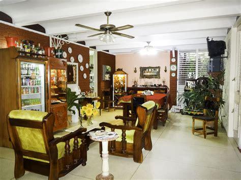 decorar mean in english pruzak what does la sala de estar mean in english