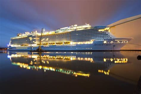 royal caribbeans newest ship 25 pictures of royal caribbean s newest ship anthem of the