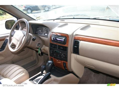 1999 Jeep Grand Limited Interior 1999 Jeep Grand Limited 4x4 Camel Dashboard Photo