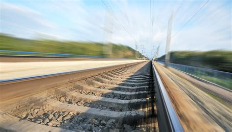 The Rails Fg Signs 5 1bn Rail Contracts With Firm
