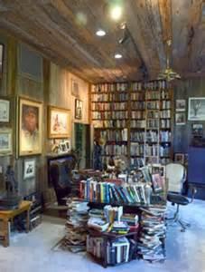 Home Decor Outlet Online by Burt Reynolds Florida Mansion Sells For 3 3m After Nine