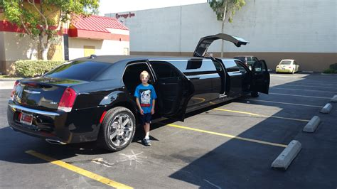 Limos In My Area by 20150904 154507