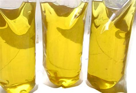 pasar murah kemendag jual  ribu liter minyak goreng murah