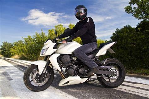 Motorradfahren Wie Gef Hrlich by Motorcycle Clothing Tips Wie Motorrad Lederkombi