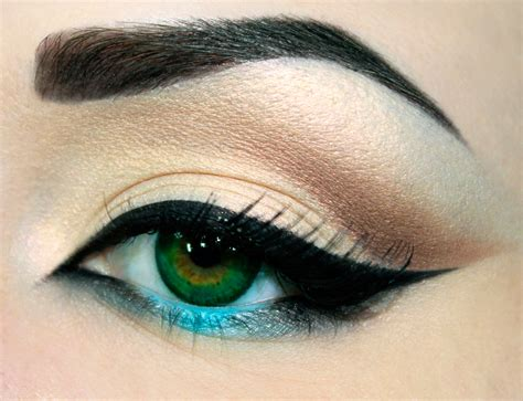Eyeliner Make Up semi permanent make up hairdressers salon in