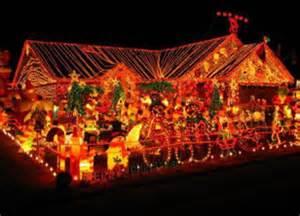 top 10 craziest christmas light displays