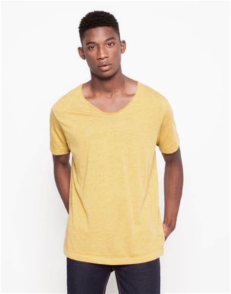 Kaos Basic V Neck Yellow pull basic v neck t shirt in yellow for mustard lyst