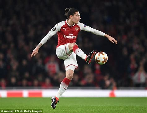 nicholas arsenal should sign utd target to challenge united enter race to sign juventus target hector bellerin daily mail