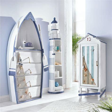 badezimmer deko zum hinstellen leuchtturmregal zwischen wanne hzg bootsregal andere