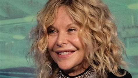 how does meg ryan look so young meg ryan looks almost unrecognisable as she debuts