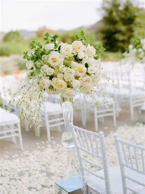Flower To Decorate A Wedding by The 7 Best Ways To Decorate Your Wedding Ceremony Aisle