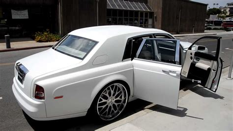 roll royce rent rolls royce white phantom rental gta exotics