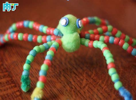 Kids Craft For Halloween - 儿童手工制作图片教程 用毛根制作彩色蜘蛛的做法图解 ai学频道