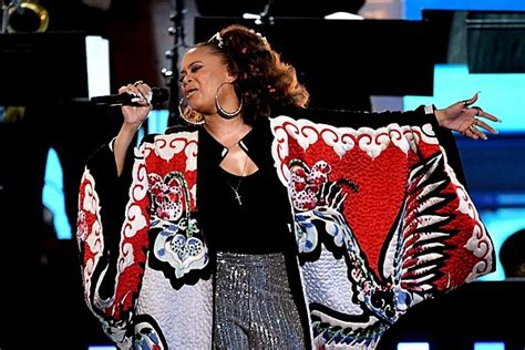 Grammy Fever Hits by Andra Day Performs Fever For Bee Gees Grammy