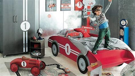 deco chambre enfant voiture lit voiture pour gar 231 on chambre enfant