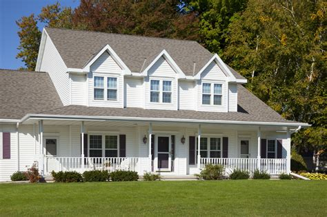 House With White Siding 28 Images The Best Colour For Vinyl Siding Black Shutters