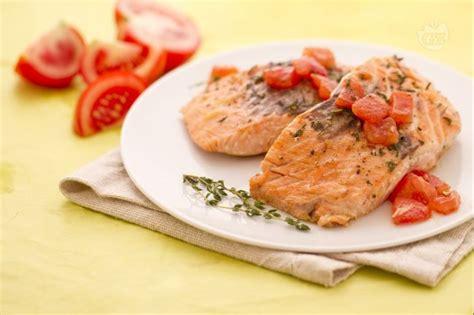 salmone fresco come cucinarlo come cucinare il filetto di salmone idea di casa