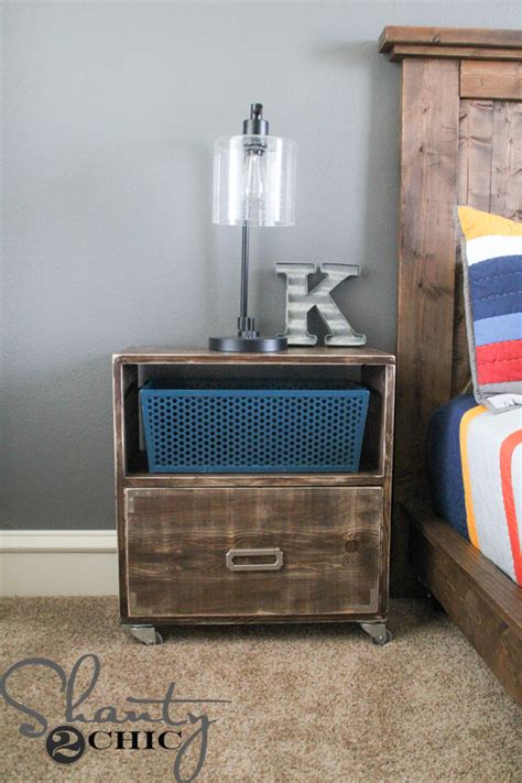 Nightstand With Wheels by Diy Nightstand On Wheels Shanty 2 Chic