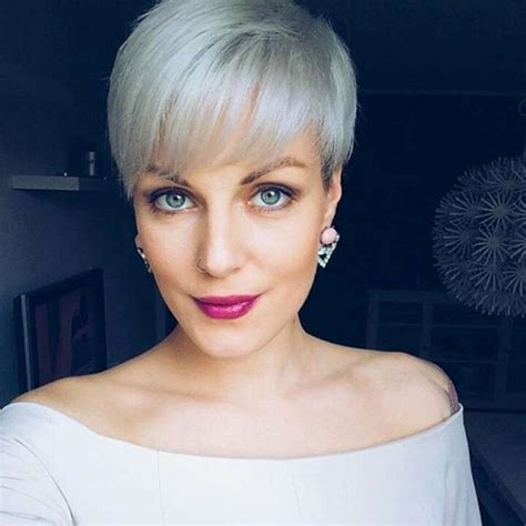 2017 S Hairstyles For Grey Hair by 16 Gray Hairstyles And Haircuts For 2017