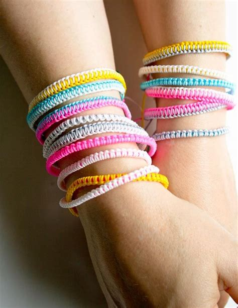 How to Make a Friendship Bracelet with a Recycled Plastic Lid   Tween Craft Ideas for Mom and