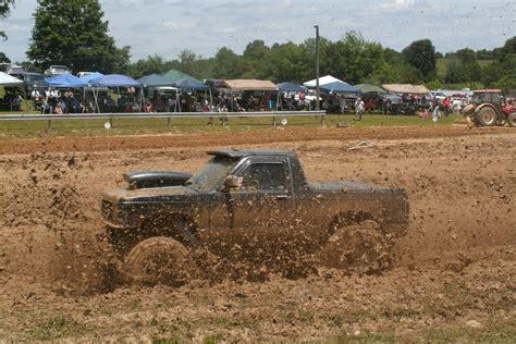 monster truck mud racing mud bogging 4x4 offroad race racing monster truck race