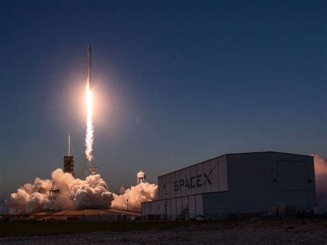 spacex launch  reused capsule   recycled rocket aivanet