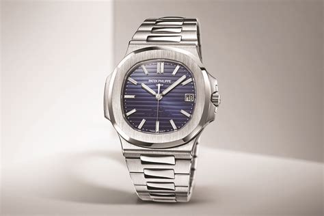 Jam Replika Patek Phillipe Nautilus Jumbo 5711 Black Swiss Eta 1 1 1 introducing patek philippe nautilus 40th anniversary