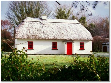 thatched cottage lough derg thatched cottages puckaun ireland booking