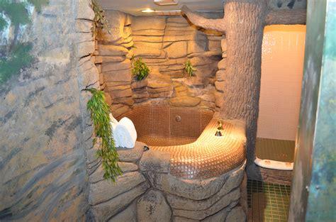 theme hotel burnsville mn sherwood forest greenwood fanta suites com