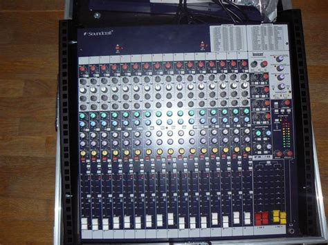 Mixer Soundcraft Fx16ii soundcraft fx16ii image 378516 audiofanzine