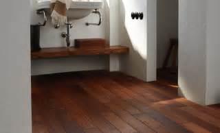 indogate salle de bain parquet bateau