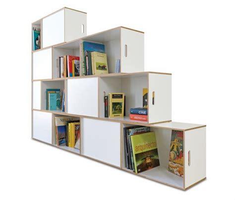 regal treppe regal treppe brickbox regale modulare bibliotheken
