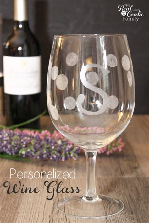 personalized gifts make gorgeous wine glasses