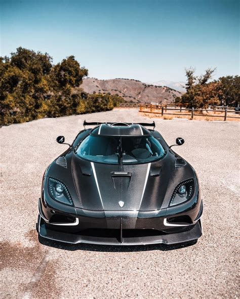 koenigsegg white carbon fiber kornigsegg agera rs quot draken quot made out of exposed black and