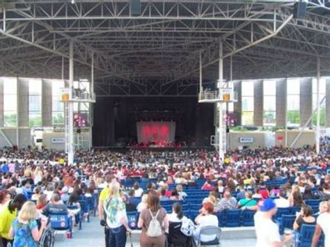 molson hitheatre 400 section view stage from the general admission grassy area picture of