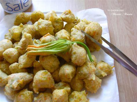 frittelle con i fiori di zucca frittelle con fiori di zucca ricetta con e senza bimby