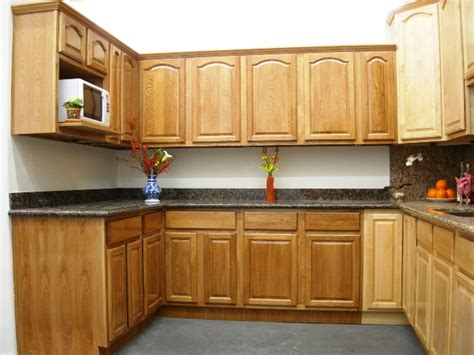 cathedral kitchen cabinets oak cathedral kitchen cabinets trekkerboy