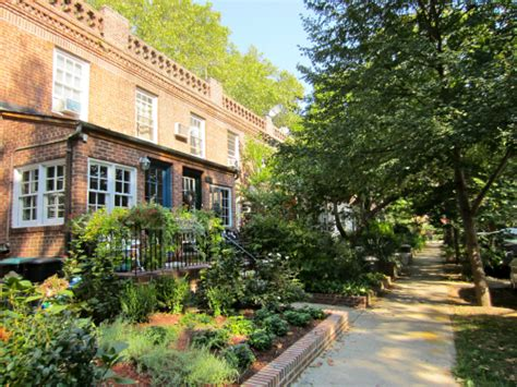 Sunnyside Gardens by Rebuilding Community Heritage
