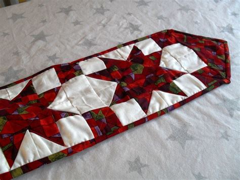 pattern quilted table runner christmas 1047 best christmas runners images on pinterest