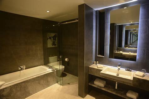 5 star bathroom jg suite gambaro hotel brisbane luxury hotel brisbane