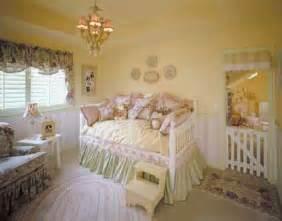 Easy Toddler Bedroom Ideas Feminine Charms Toddler Bedroom Decorating Idea Feminine