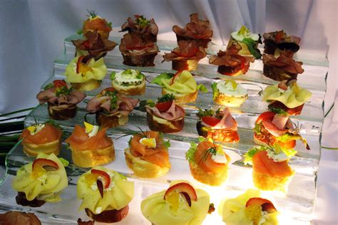 Fingerfood Snacks by Fingerfood Snacks Catering Schwarz