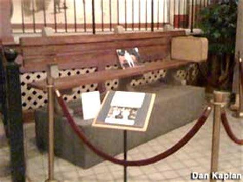savannah history museum forrest gump bench forrest gump s bench savannah georgia