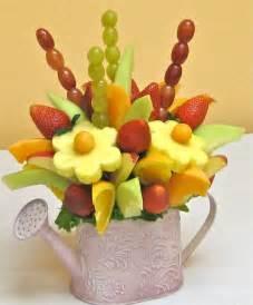 how to make flower arrangements centerpieces best 25 edible fruit arrangements ideas on