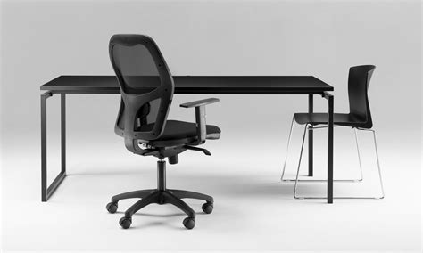 in ufficio scrivanie ufficio scrivanie direzionali tavoli riunione
