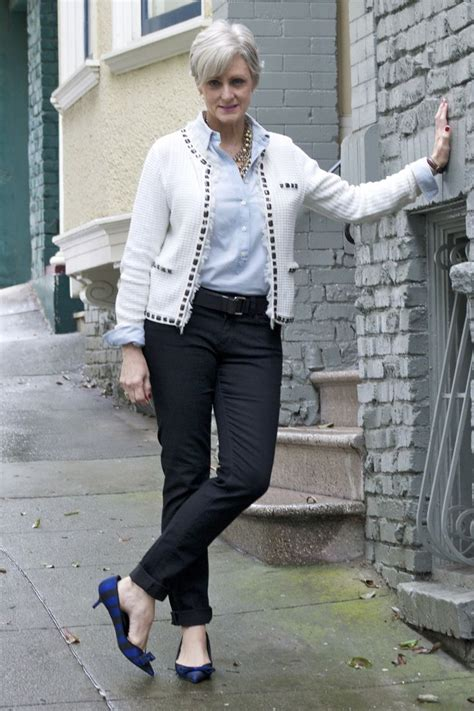 jean outfits for women in their 60s 1121 best stylish over 50 60 images on pinterest