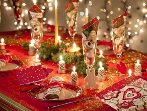 schön gedeckter tisch weihnachten 45 deko ideen f 252 r den weihnachtstisch ein fr 246 hliches