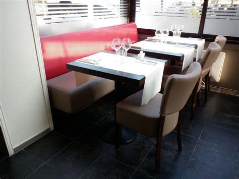 chaise de restaurant pas cher mobilier de restaurant quot le 42 quot chaise de restaurant beige confortable et table de restaurant
