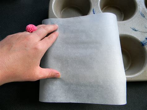How To Make Cupcake Liners With Parchment Paper - how to make your own cupcake liners